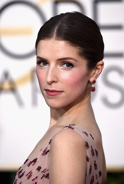 Chapel-of-the-Flowers-complete-bridal-look-for-2016-Anna-Kendrick-Golden-Globes