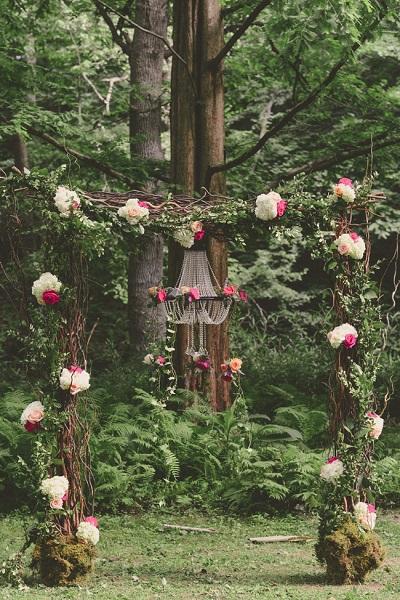 A Romantic Bride Fab-You-Bliss-Ashlee-Mintz-Photography-Garden-Wedding-17