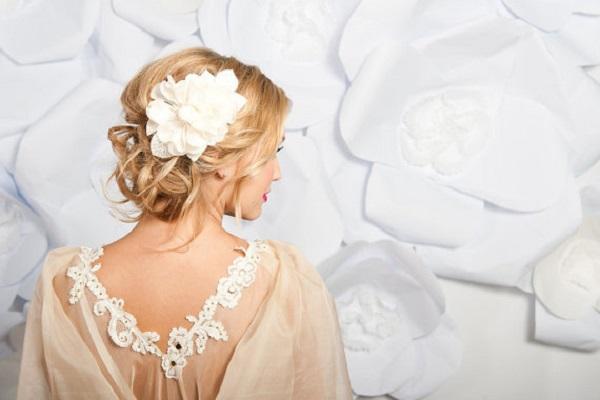 A Romantic Bride hair comb