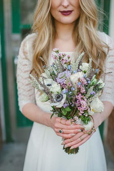 Gorgous Wedding Flowers :: Boho Chic Bridal Bouquet