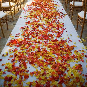 Wedding flower ideas for fall weddings orange and red fall wedding aisle junglespirit
