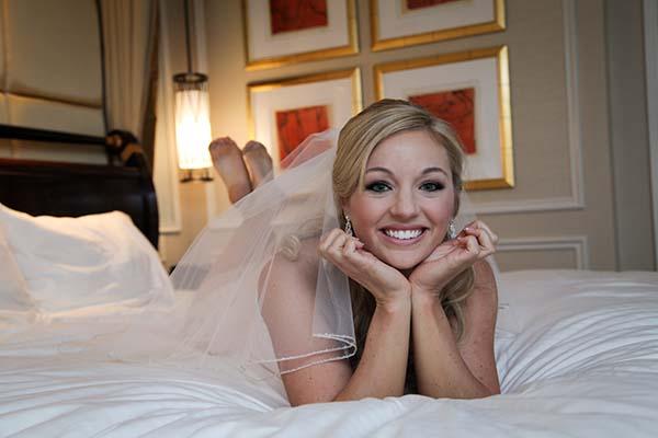cute wedding photo ideas for pre-ceremony