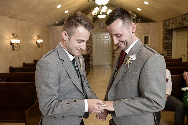 must have wedding photos :: ring exchange :: candid ceremony photos