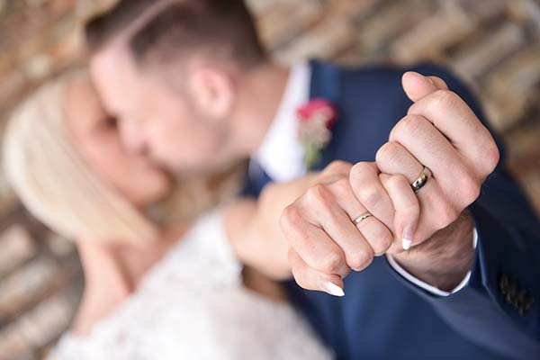 must have a wedding ring photo at your wedding