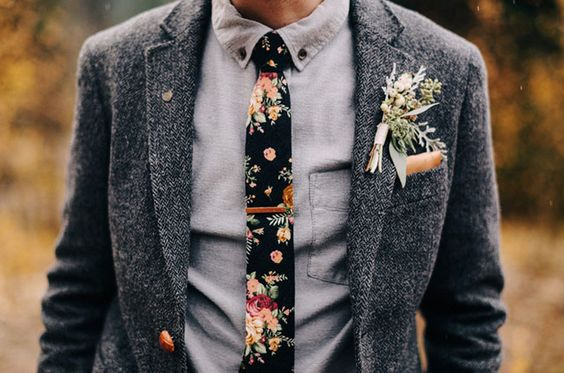 Tweed Grooms Suit with Floral Tie :: 2017 Wedding Trends