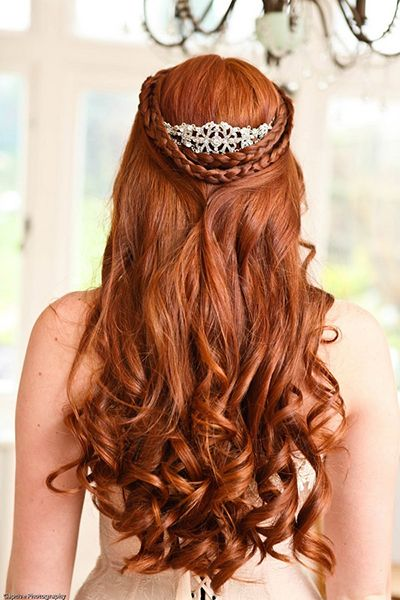 Game of Thrones Wedding Hair with Crown   Game of Thrones Wedding Ideas