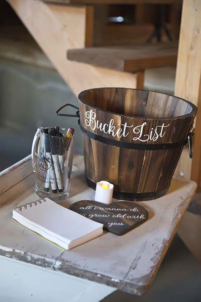 Fall Weddings | Wedding Ideas | Bucket Guest List