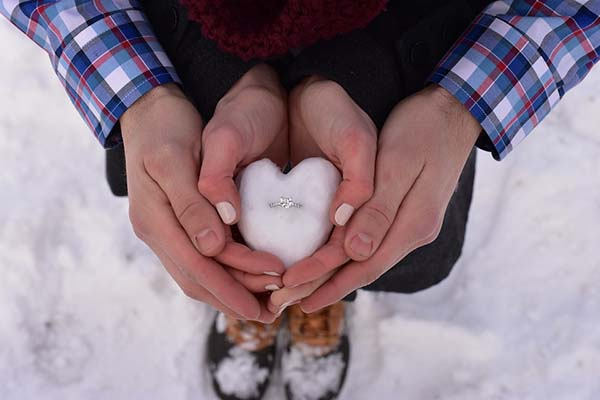 Creative Marriage Proposal Ideas for this Holiday Season