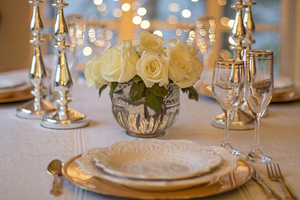 Great Gatsby Wedding Ideas | Plated Dinner for 1920's wedding