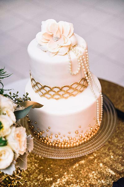 Great Gatsby Wedding Ideas | Simple and Elegant 1920's Inspired Wedding Cake