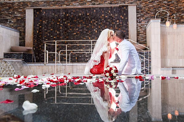 Valentine's Day Weddings in Las Vegas at Chapel of the Flowers
