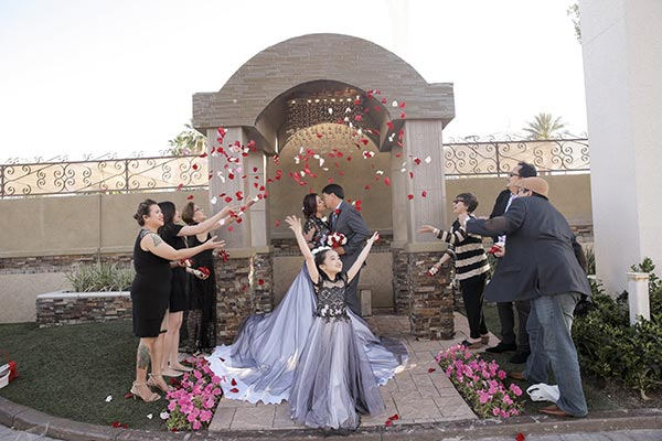 Flower Shower Wedding Photo Ideas