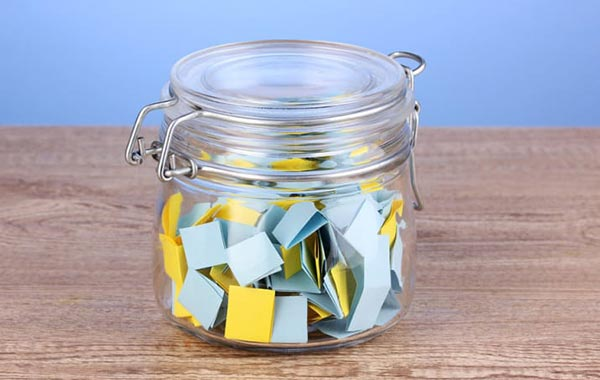Easy New Years Resolutions That You Will Keep | Start a Compliment Jar