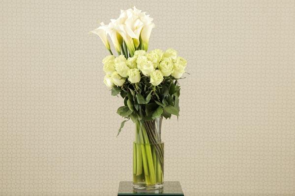 Wedding Flower Ideas | Floral Decor | Rose and Calla Lilly Altar Spray