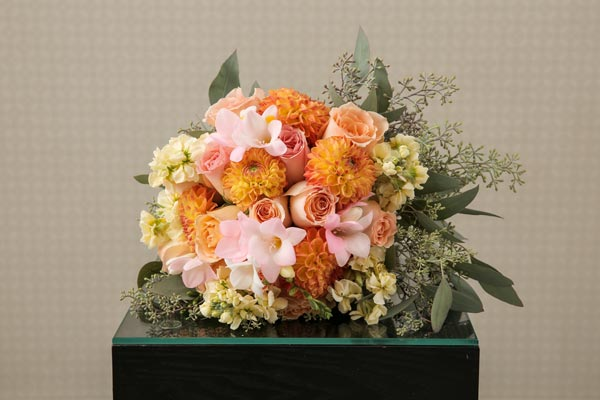 Wedding Flower Ideas | Bridal Bouquet Ideas | Peach Bridal Bouquet