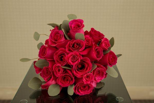 Wedding Flower Ideas   Bridal Bouquet Ideas   Simple Rose Bouquet