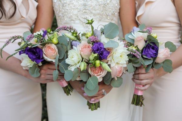 Wedding flower ideas bridal bouquets and floral decor wedding flower ideas bridemaids bouquets for spring weddings mightylinksfo