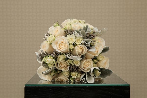 Wedding Flower Ideas | Bridal Bouquet Ideas | Winter Bouquet