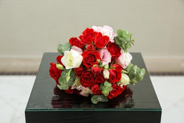 Wedding Flower Ideas   Bridesmaids Bouquet Ideas   Rose Bridesmaids Bouquet
